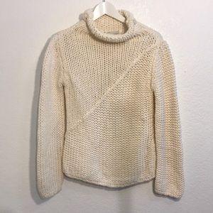 Banana republic chunky white knit sweater